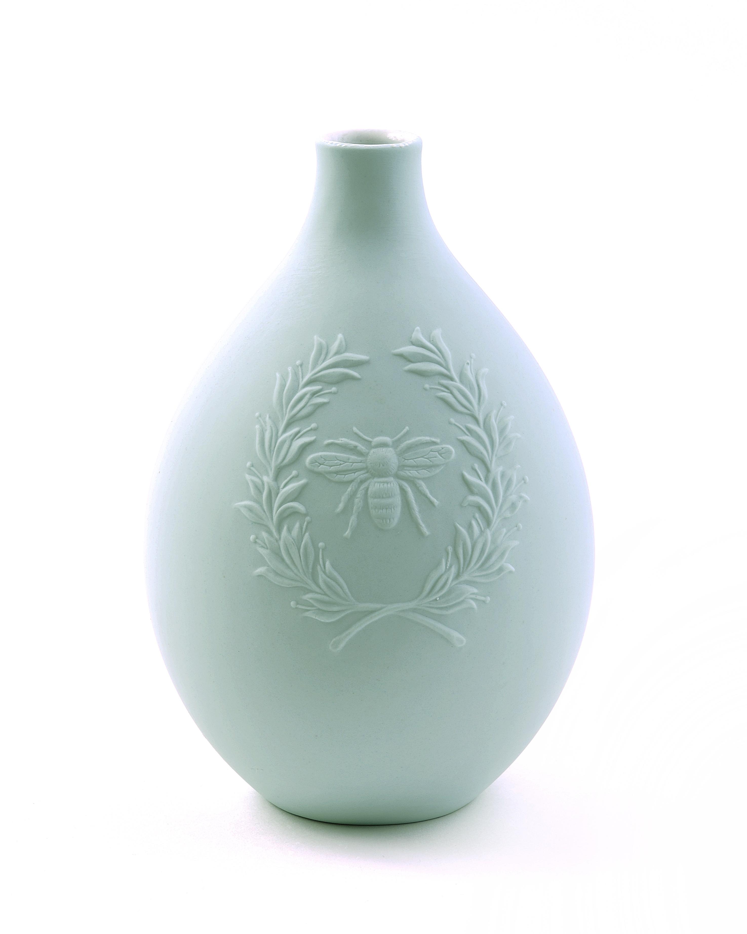 Egg Vase - Bee