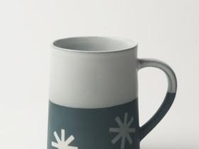 Graphic 12 oz Taper Mug: 'Starburst'. Dark blue/white glaze top.