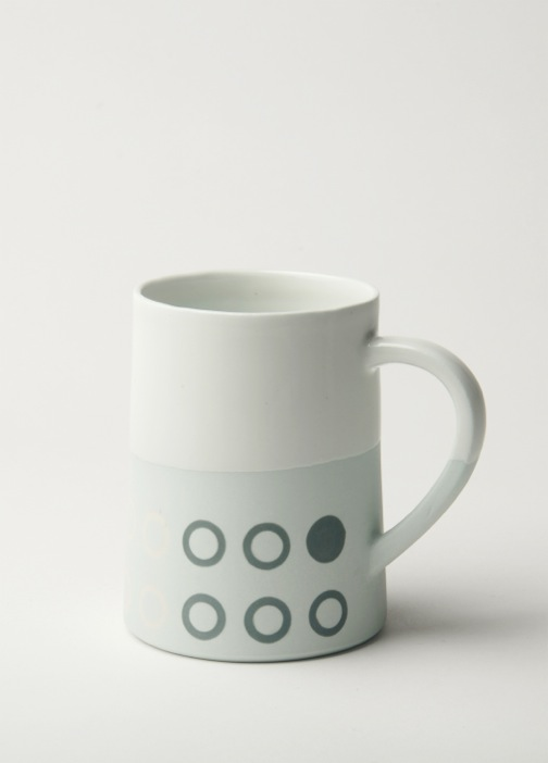 Graphic 12 oz Taper mug: 'Circles'. Pale Blue/white glaze top